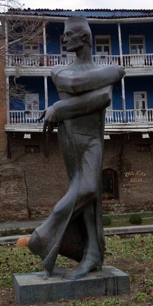 Tänzer-Statue in Tiflis