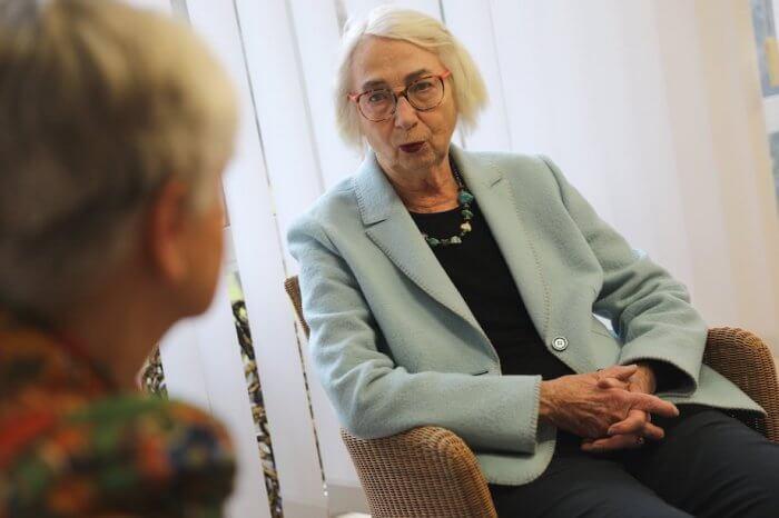 Barbara Osterwald im Gespräch. Foto: Anne Bauer