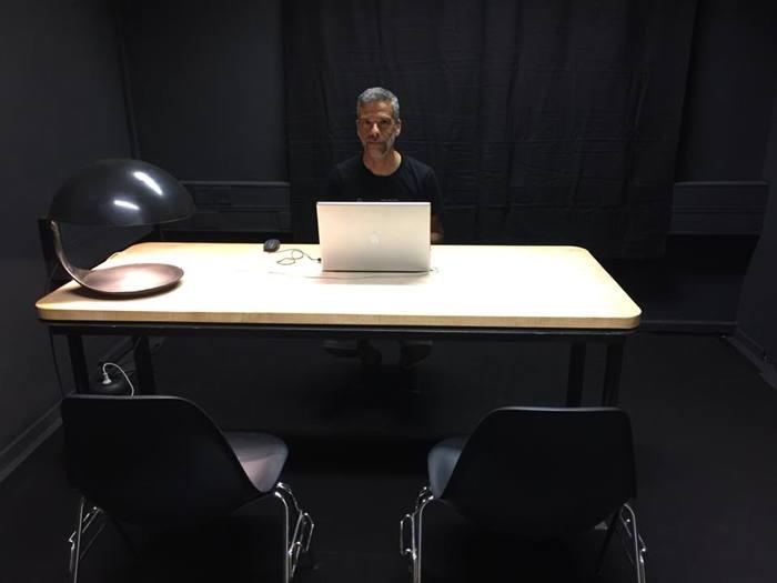 Paolo in der Schreibstube