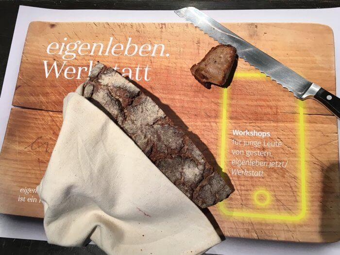 Brot auf dem Eigenleben-Set. Foto: Heike Braun
