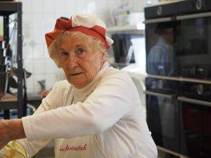 Oma Rosemarie hat früher als Zugführer gearbeitet. Foto: Helmut Müller