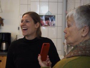 Theresa O. ist für die PRessearbneit zuständig. Foto: Helmut Müller