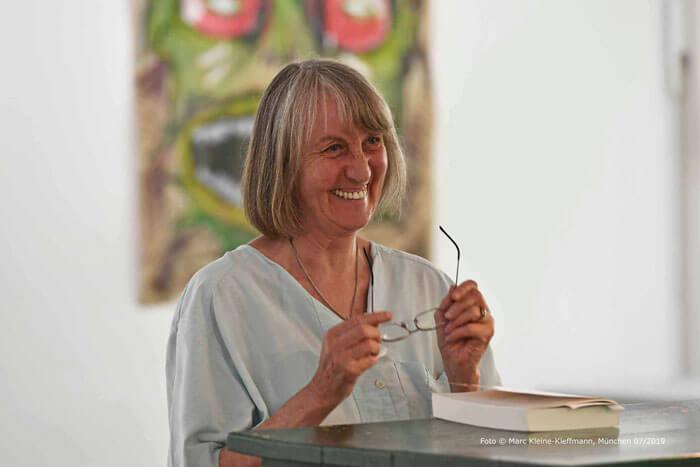Applaus für eine wunderbar einfühlsame Geschichte aus der Kindheit von Elfriede Hafner-Kroseberg. Foto: Marc Kleine-Kleffmann