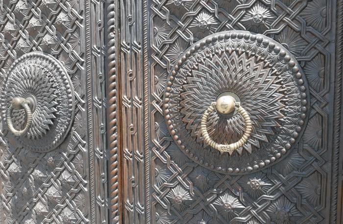 Nahaufnahme der Tür der Bibliothek Matenadaran. Foto: Christian Callo.
