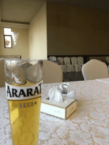 Bierglas mit Bier ohne Schaum. Foto: Christian Callo.