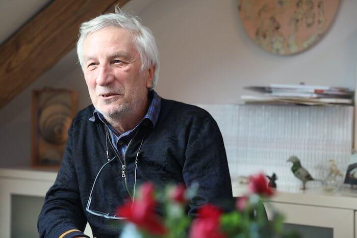 Peter Gaymann lacht gern über seine eigenen Einfälle. Foto: Anne Bauer