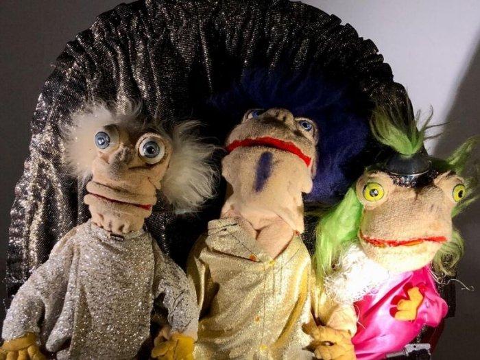Im Wohnzimmer tanzten die Puppen