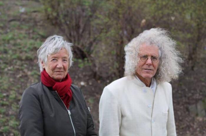 Wie sie heute häufig anzutreffen sind: Christa Ritter und Rainer Langhans beim Spazieren.